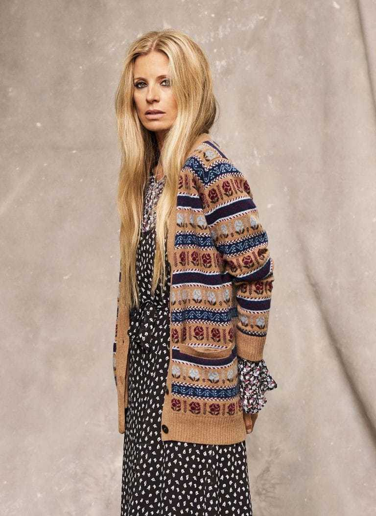 love this cashmere fair isle cardigan by Brora, part of the 25th anniversary Brora collection in collaboration with Marie Claire fashion director Jayne Pickering. Click through to see the rest of this utterly beautiful collection of cashmere and boho silk dresses and skirts #brora #madeinbritain #cashmere #autumnfashion #boho