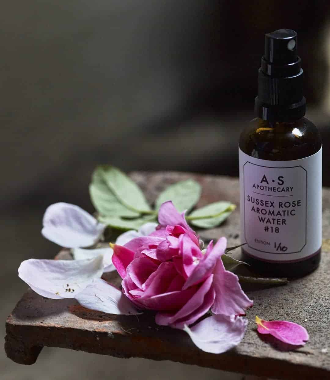 love this rose aromatic rose water by A S Apothecary. Click through for more ethical gift ideas for Christmas you'll love #ShopEhicalInstead #ethicalgifts #madeinbritain #frombritainwithlove #sustainablegifts #ethicalhour #zerowaste