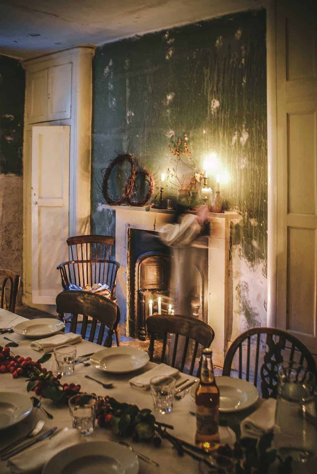 love this image at The Regency Townhouse in Hove with candlelight and a magical feel at the launch of Conscious Creativity by Philippa Stanton aka @5ftinf click through for a peek inside as well as more image of the workshop and the day