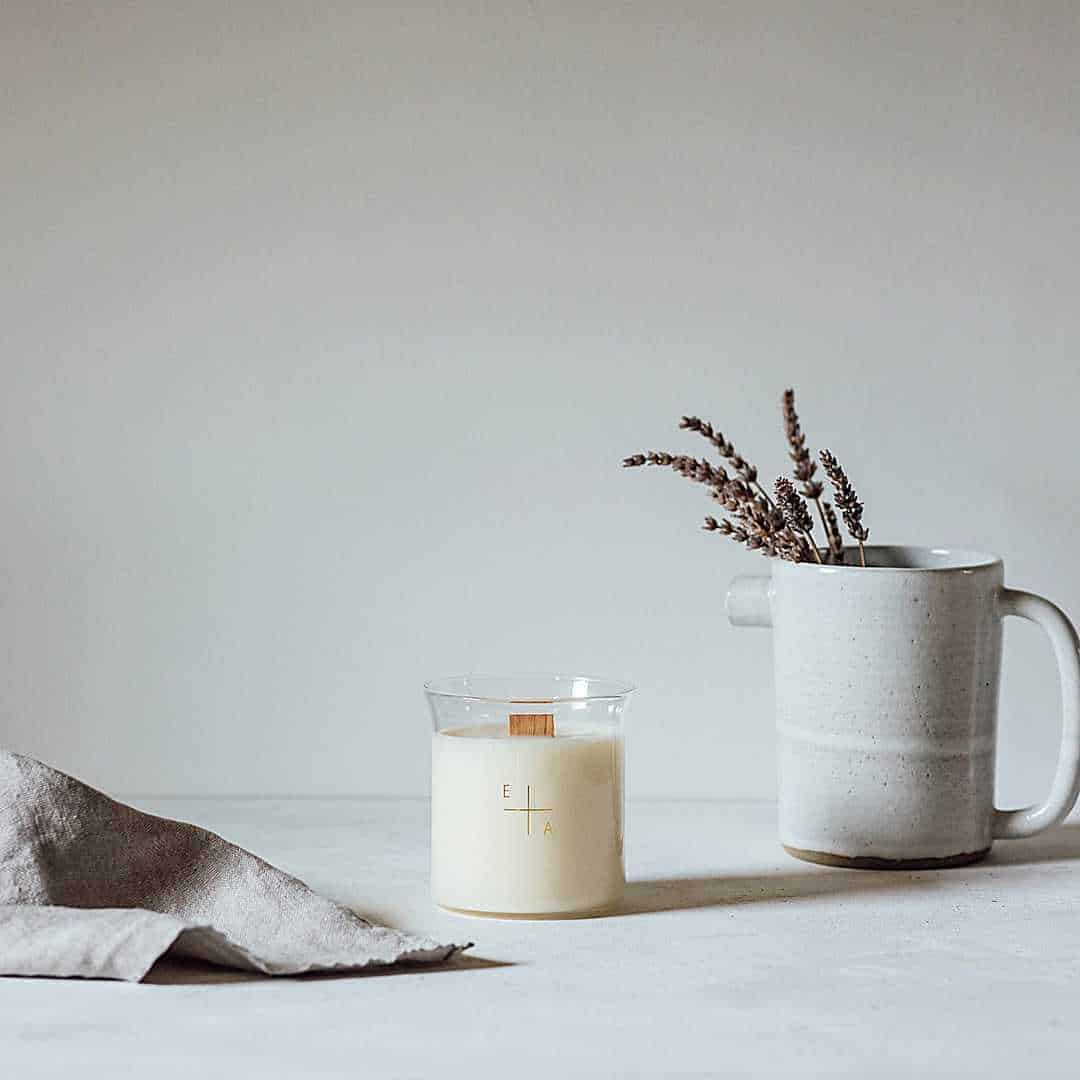 love this refillable essence and alchemy unwind beaker candle. Click through for more ethical gift ideas for Christmas you'll love #ShopEhicalInstead #ethicalgifts #madeinbritain #frombritainwithlove #sustainablegifts #ethicalhour #zerowaste