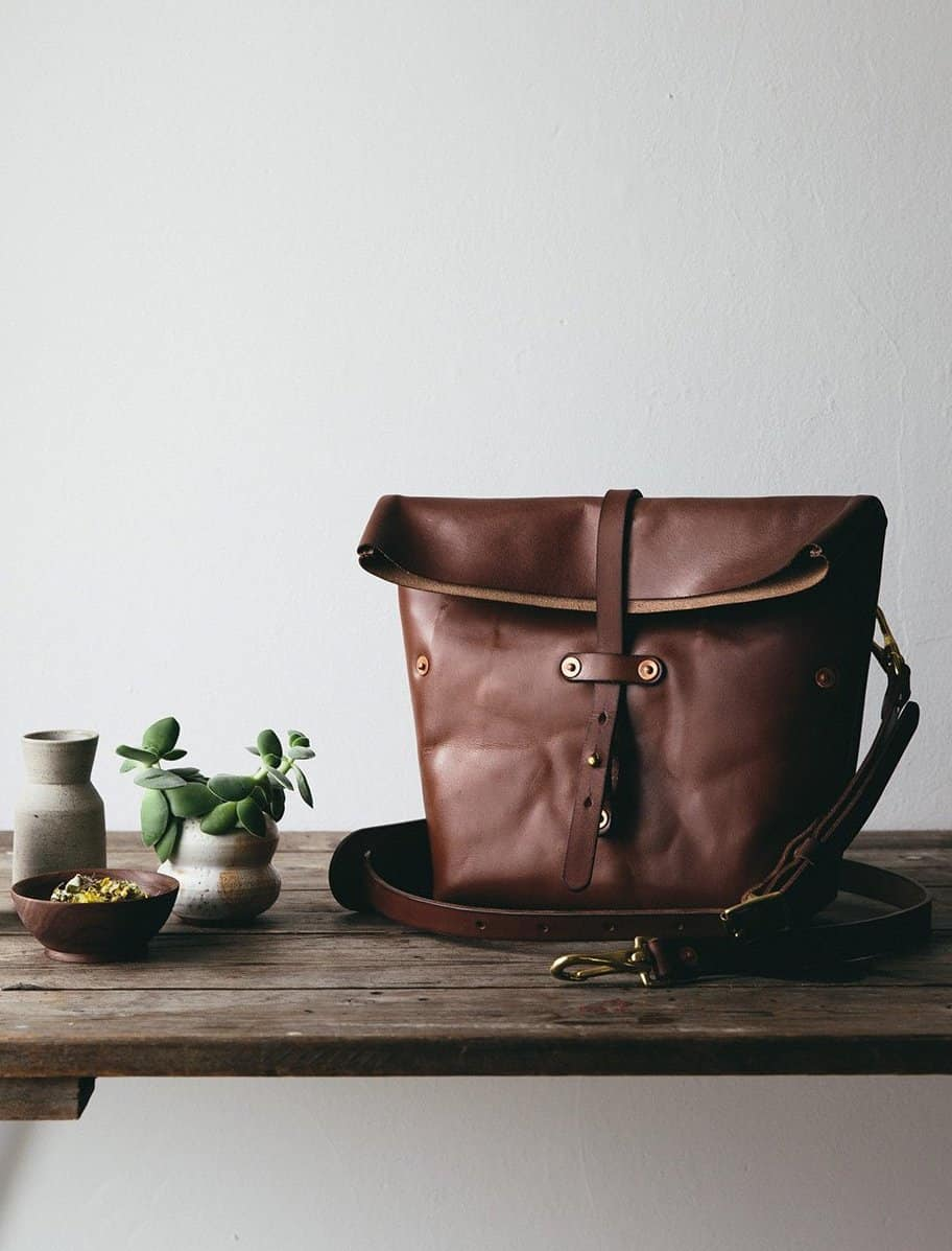 love this ethical leather camera bag made by Rural Kind for The Future Kept. Made using oak tanning this is a bag to last a lifetime and is perfect for keeping your camera handy whenever you're out and about. Click through for other ethical gifts made in the UK that you'll love
