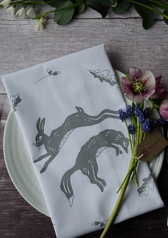 leaping-foxes-napkins