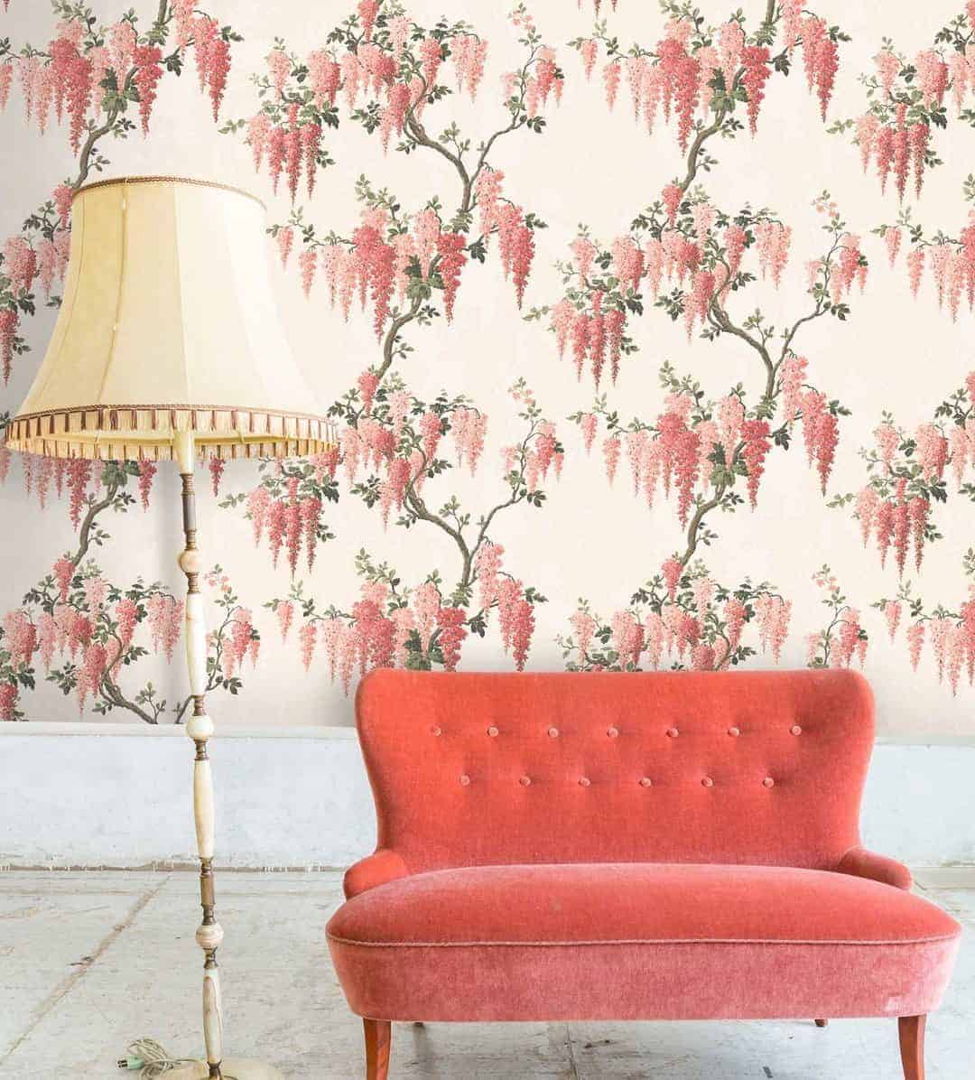 love this coral floral wallpaper by pearl lowe for Woodchip and Magnolia designer British wallpapers made in Lancashire. Click through to find out more and to see inspirational ideas for using pantone colour of the year 2019 living coral in your home