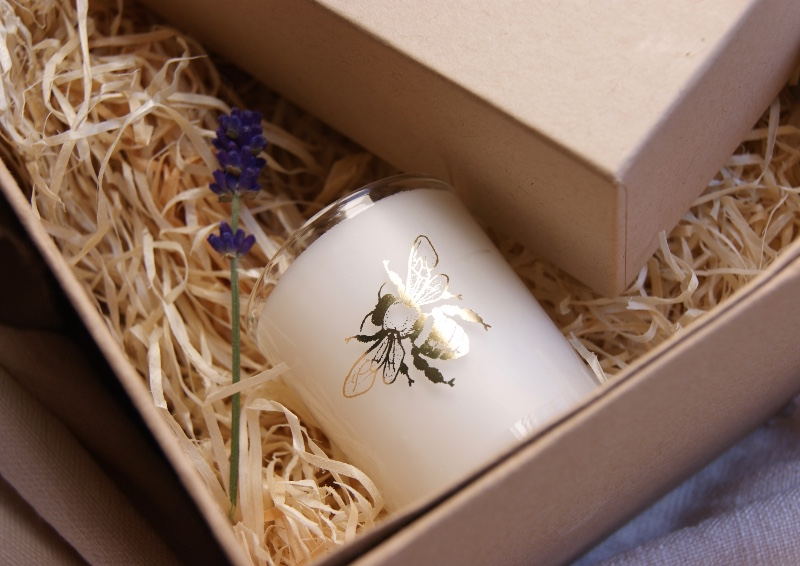 bee-candle-lavender