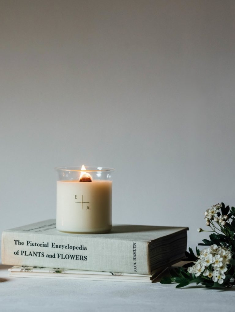 love these natural handmade botanical aromatherapy candles in refillable glass beakers made in England and earth friendly, sustainable, and ethically made using 100% natural ingredients. Click through to discover other special handmade natural soy and zero waste refillable candles you'll love