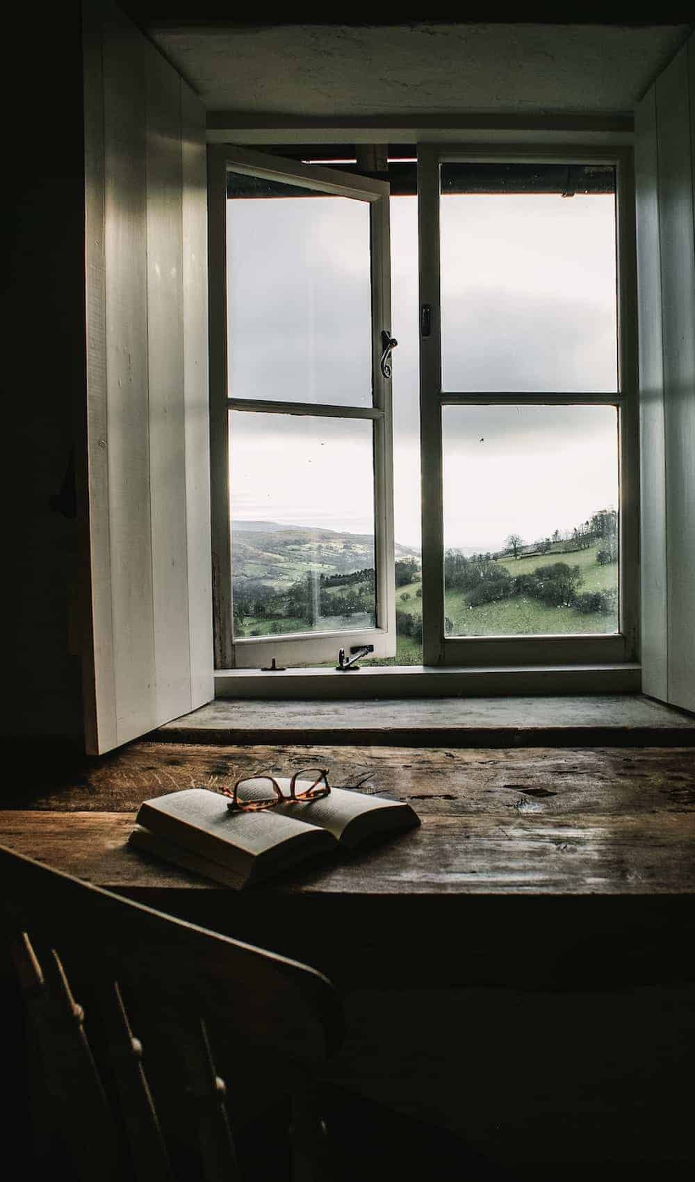 loved our stay at patrishow farm in the brecon beacons - a simple, contemporary rustic welsh cottage with deep set windows with shutters, thick stone walls, slate floors, old wooden doors and windows and spiral stone staircases. Click through to see more beautiful images of the cottage and the area