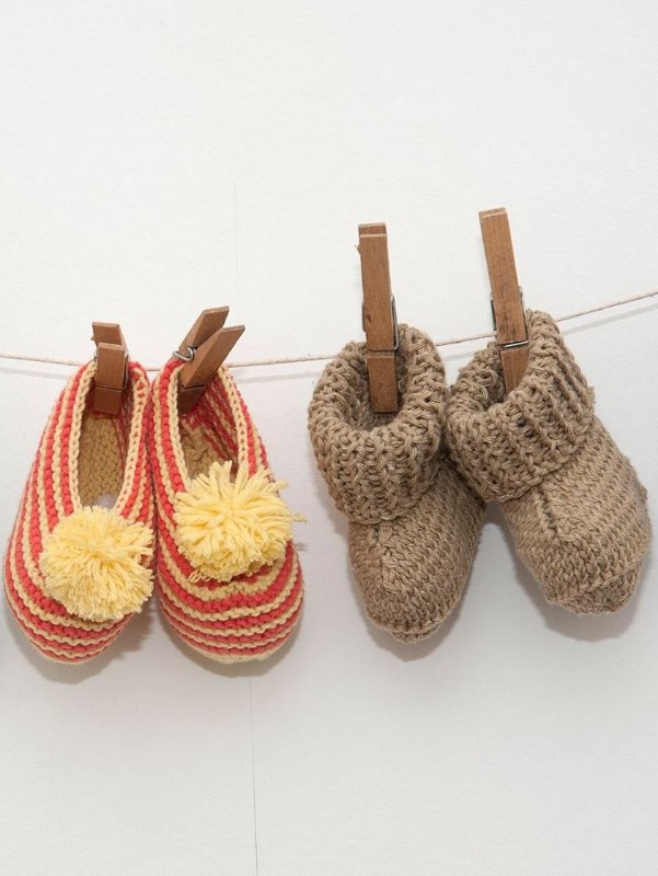 knitted-baby-booties-handmade