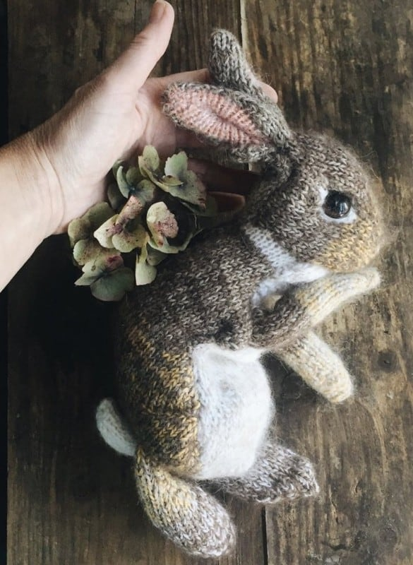 dot-pebbles-rabbit-knitting-patterns-bunny