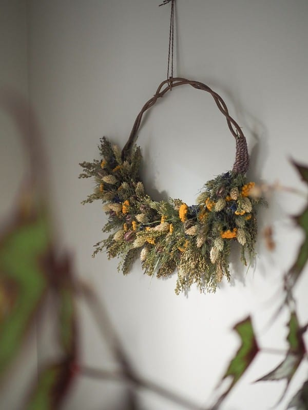 botanical-tales-dried-flower-wreath-workshop