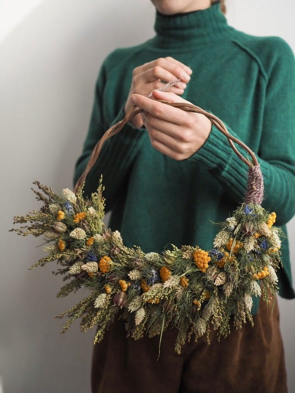 botanical-tales-dried-flower-wreath