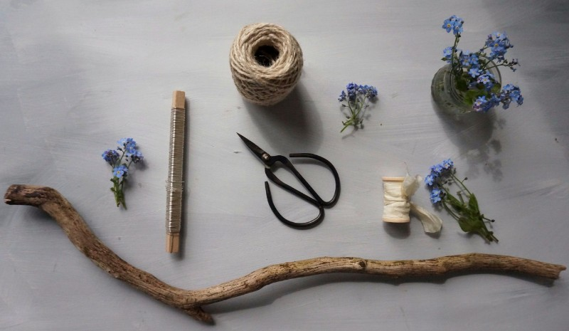botanical-tales-how-to-make-flower-mobile-jars-forget-me-nots