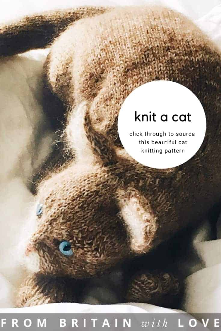 love this cat knitting pattern by Claire Garland of Dot Pebbles. Click through for details on how to knit a kitten or cat with expert tips from Claire herself as well as how to sign up for free knitting patterns by Claire #knittingpatterns #knittingprojects #imadethatcat #dotpebbles #frombritainwithlove #freepatterns