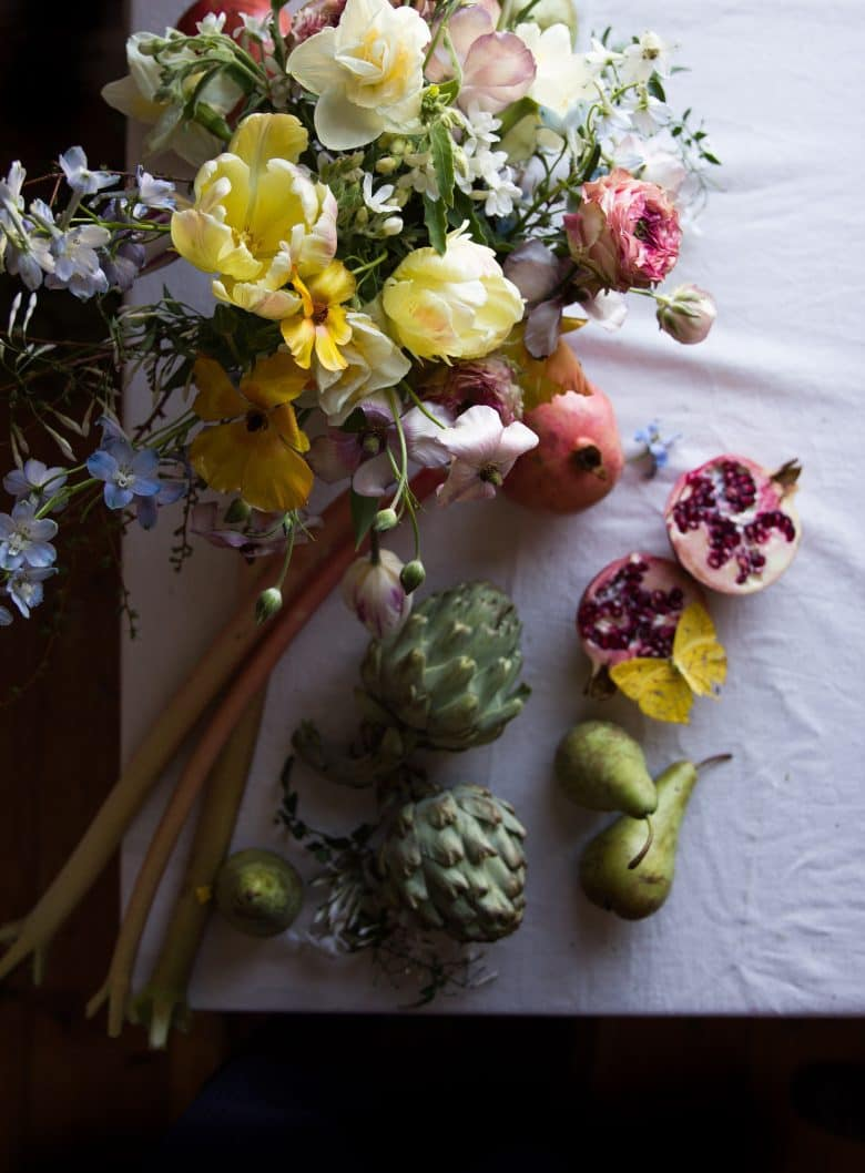 emma harris of a quiet style flower workshops and instagram ecourses share her tips for finding seasonal inspiration and creativity. Click through to find out more and get some ideas for slow, seasonal living you'll love #instagram #ecourses #slowliving #seasonal #photography #flowerarrangements #frombritainwithove #aquietstyle