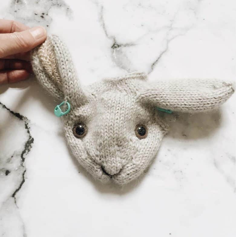 How to knit a bunny rabbit - free knitting pattern. Click through for easy step by step tutorial and free knitting pattern to make a knitted bunny rabbit. Get tips and all the info you need to make your own #easterbunny #knittingpattern #knittingideas #easter #bunnyrabbits #tutorial #freeknittingpattern #frombritainwithlove