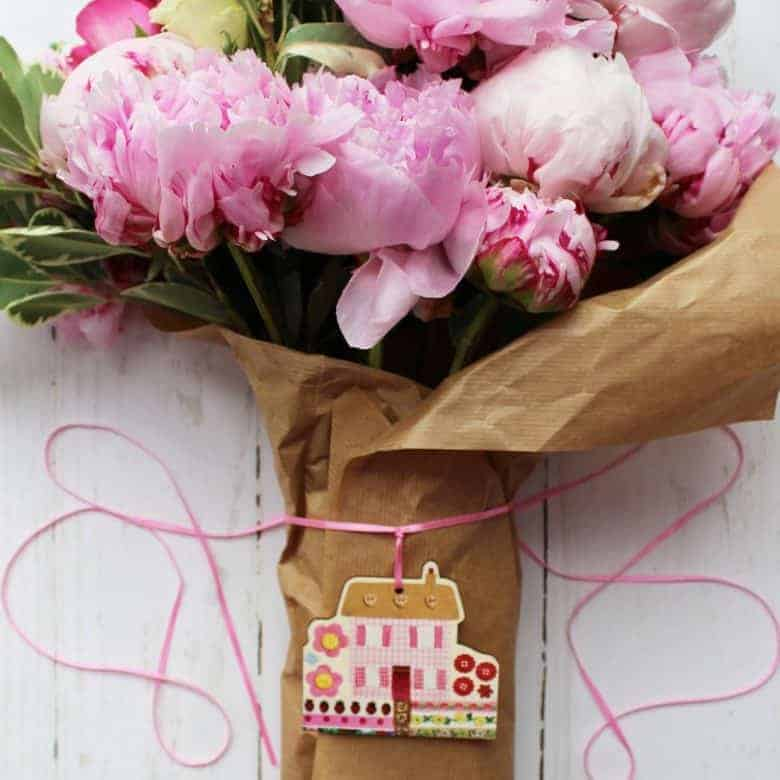 kelly rideout wooden gift tags florist style