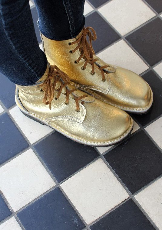 conker-ethical-shoes-gold-boots
