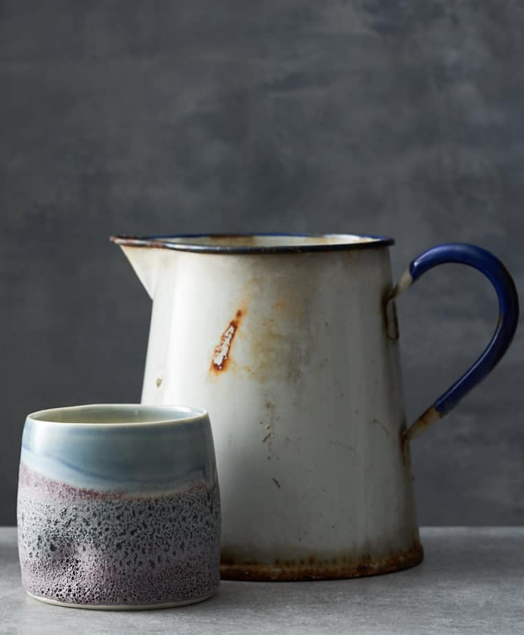 Creative business success depends on great photography and I love this photograph by yeshen venema of ceramics by Jacqui Ramrayka. Click through for 10 essential tips and creative business ideas to help you make a living from doing what you love #creativebusiness #businessadvice #tips #ideas #experthelp #creatives #frombritainwithlove