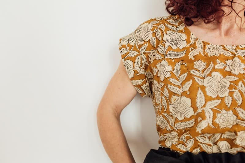 Wild-Flora-Clothing-sustainable-linen-fashion-printed-blouse