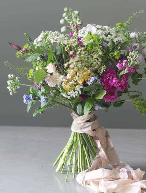 pod and pip flowers - sustainable british flowers grown in Wiltshire by local growers - seasonal and naturally beautiful. seasonal flower workshops, cutting garden workshops and seasonal bouquets to order from flower workshop near Salisbury