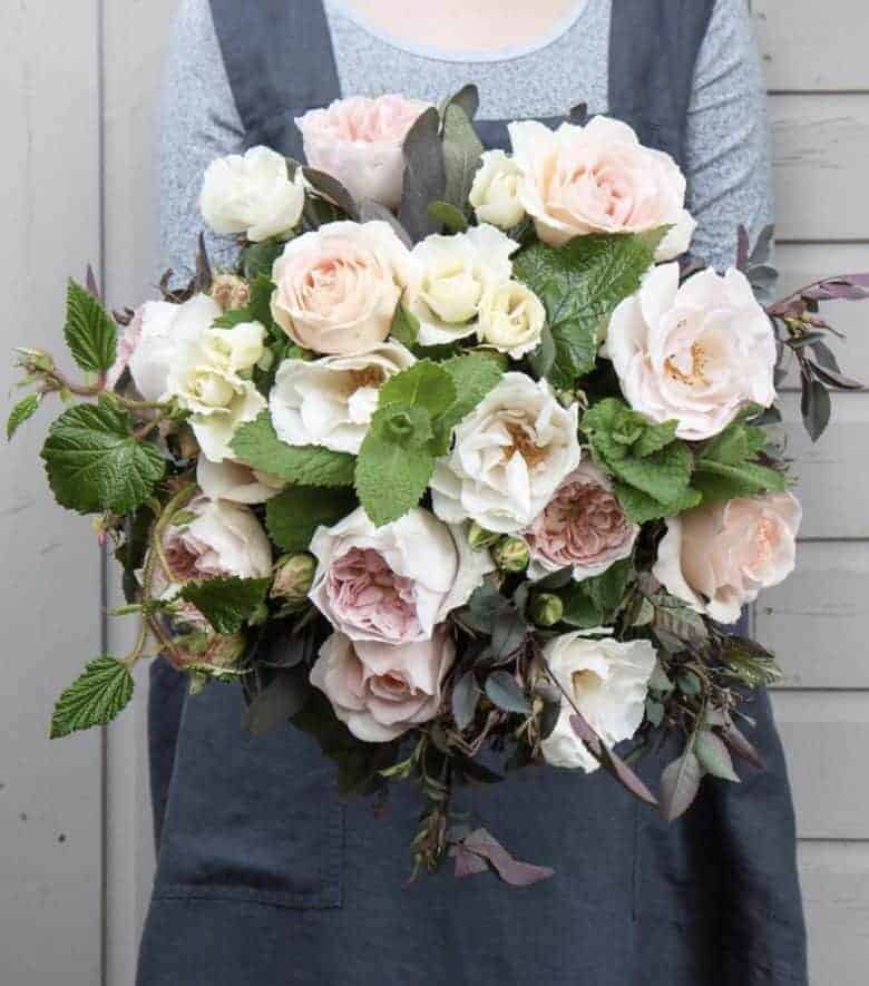 The Real Flower company scented david austin roses and flowers - sustainable british flowers grown on their Hampshire flower farm - seasonal and naturally beautiful - order their trademark green hat box of scented roses to send nationwide by the next day or from their collection of seasonal bouquets