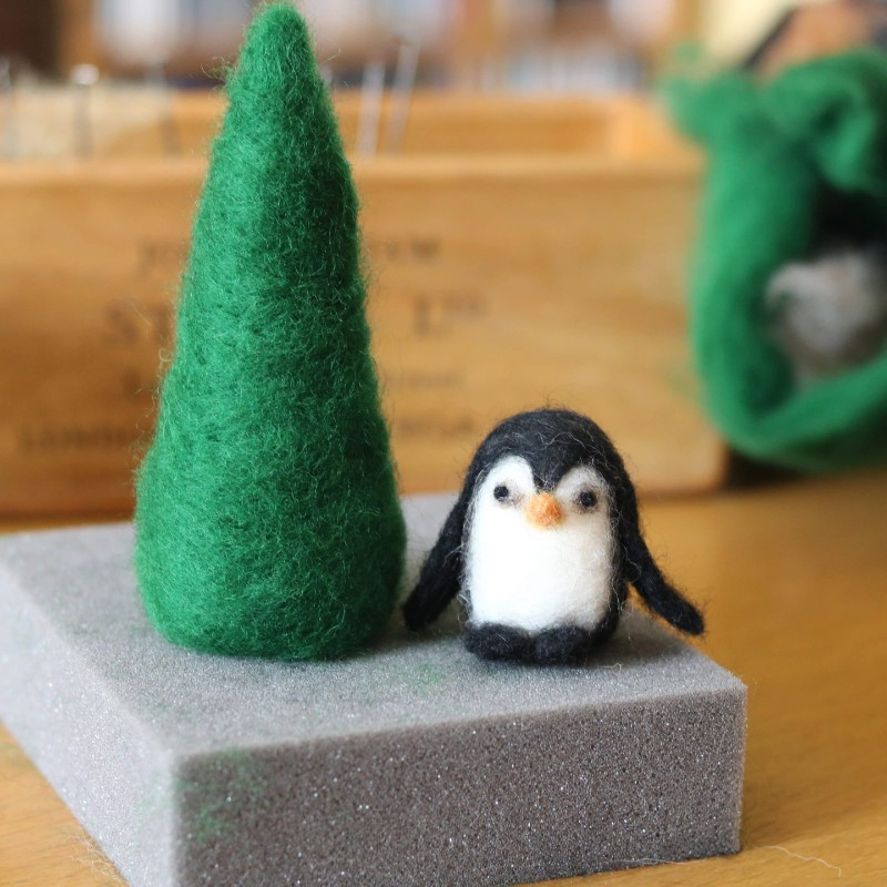 needle-felt-penguin-pattern