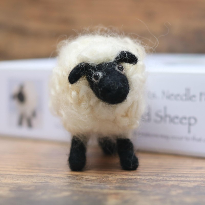 needle-felt-sheep-kit-tutorial