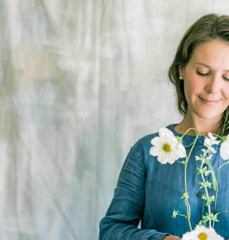 growing sustainable british cut flowers - tips and ideas from experts including Sarah Diligent of Floribunda Rose Click through to get all the info you need to grow beautiful flowers in your own cutting garden