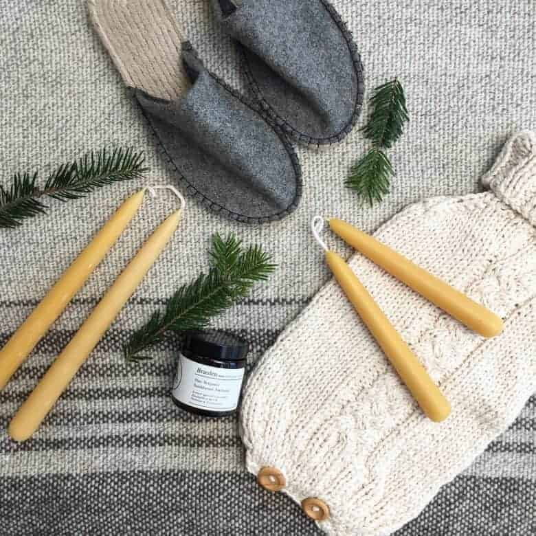 ethical gifts from aerende cotton hottie, candles and grey slippers handmade christmas gift ideas for women made in Britain. Click through to discover other special ideas linen aprons, hand knits, personalised notebooks, baubles, hand-crafted jewellery, ethical natural beauty and more #handmadegifts #giftsforwomen #frombritainwithlove #madeinbritain #christmas gifts