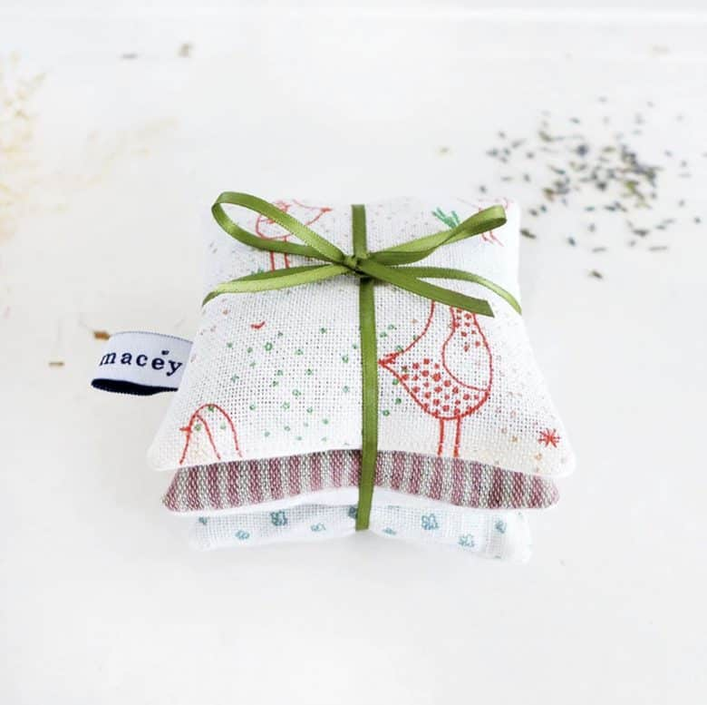 handmade christmas gift ideas for women made in Britain. Click through to discover special ideas like these robin linen lavender bag bundle by Charlotte Macey, as well as linen aprons, hand knits, personalised notebooks, baubles, hand-crafted jewellery, ethical natural beauty and more #handmadegifts #giftsforwomen #frombritainwithlove #madeinbritain #christmas gifts