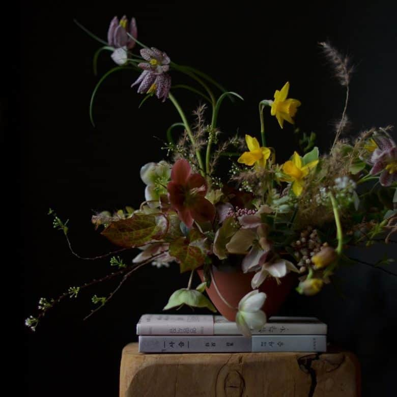 love this mother's day bouquet of sustainably grown spring flowers by Simply by Arrangement flowers #mothersday #flowers #sustainable #britishflowers #sustainable #springflowers