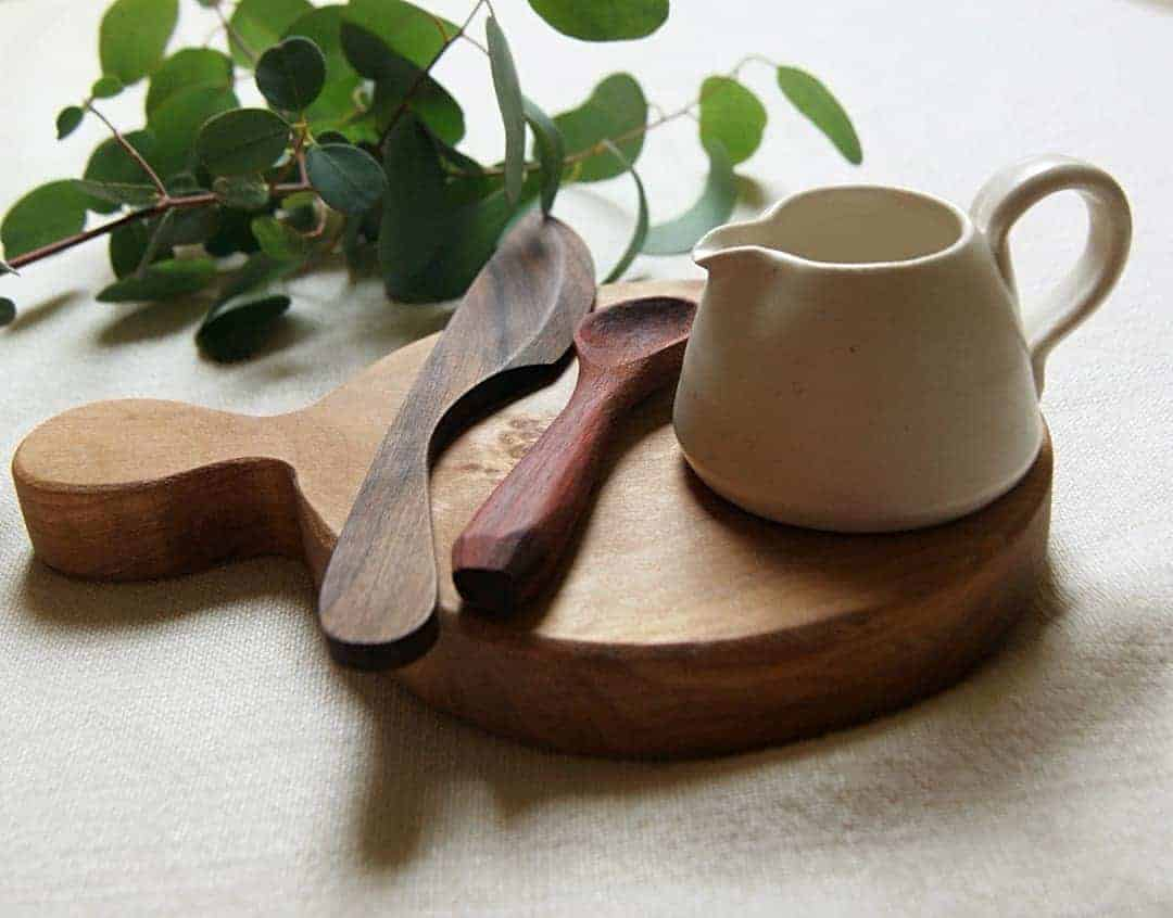 small round wood board handmade in Devon by Rosie Brewer in birch, padauk, cedar, oak, ethical teak, ash all handmade in sustainable FSC certified wood and perfect as chopping boards, serving boards, coasters or decoration #wood #board #handmade #sustainable