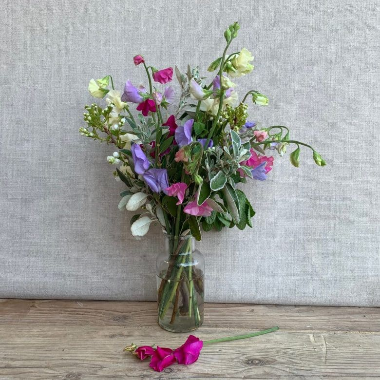 glass jar sweet peas