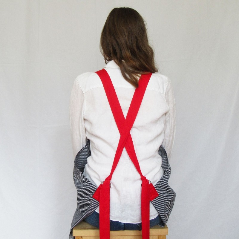 in-the-making-artisan-apron-red-straps