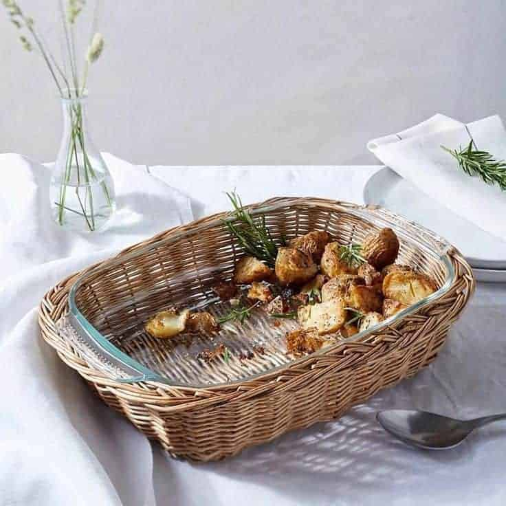willow and glass basket oven dishes from the white company #modernrustic #kitchen #cookware