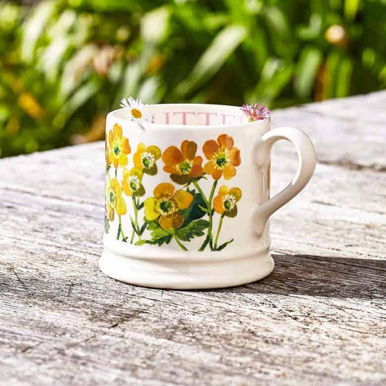 butercups mug emma bridgewater pottery. click through to buy our pick of the most beautiful designs, all beautifully made in britain #emmabridgewater #pottery #buttercup #mug #frombritainwithlove