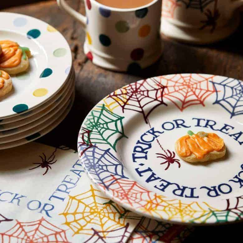 emma bridgewater trick or treat halloween autumn plate pottery decor #autumn #halloween #emmabridgewater #frombritainwithlove