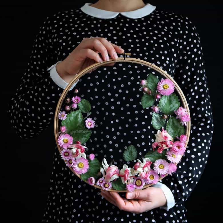 dried flower wreath embroidery hoop art by olga prinku click through for step by step tutorial and lots of creative ideas you'll love #dried #flowers #wreath #tutorial #hoopart