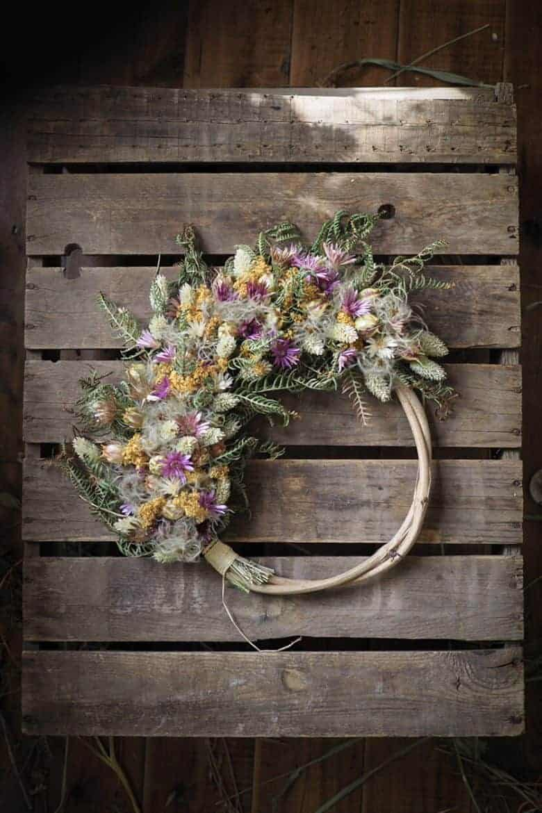 dried flower wreath by bex of botanical tales. Click through to find out where to buy one ready made by Bex, or to get lots of creative ideas for making a dried flower wreath yourself #dried #flowers #wreath