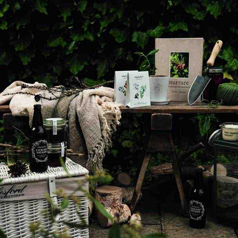 sustainable gardeners hamper from daylesford - just one of my favourite gift ideas for gardeners #giftideas #gardeners #sustainable