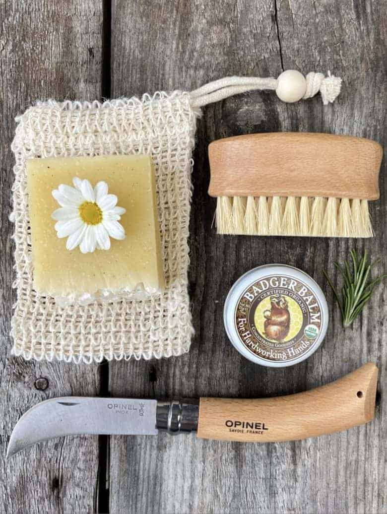 gift ideas for gardeners: gardening hands gift set from fforest general stores in wales, including soap, hand balm, nail brush and quality pruning knife #gifts #gardeners #giftideas #sustainable