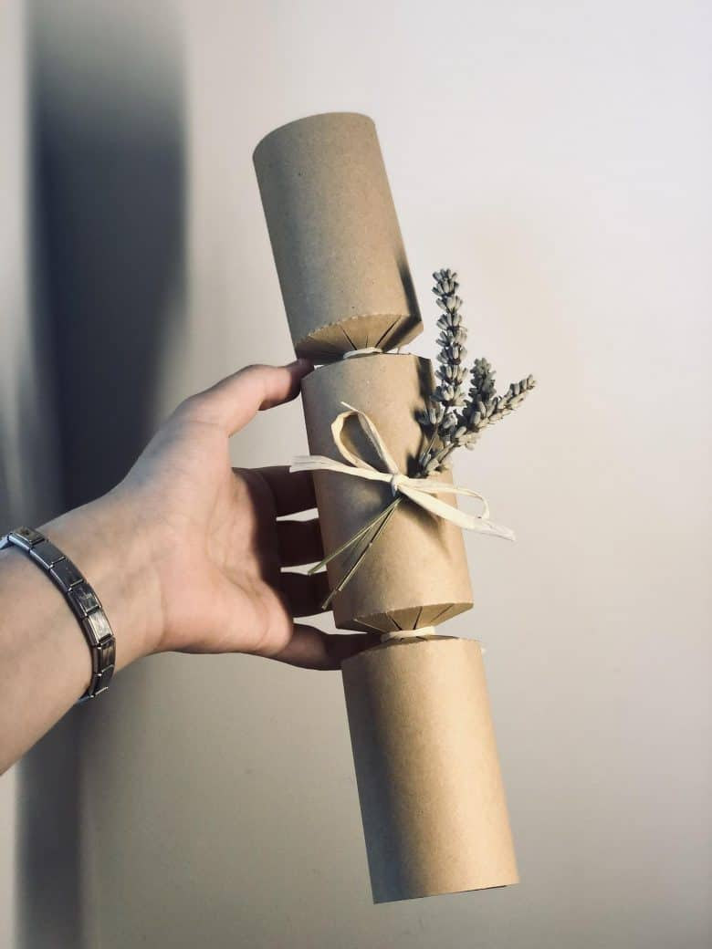 kraft brown paper diy christmas crackers kit for you to decorate and fill yourself #christmascrackers #diy #kit #kraft #eco