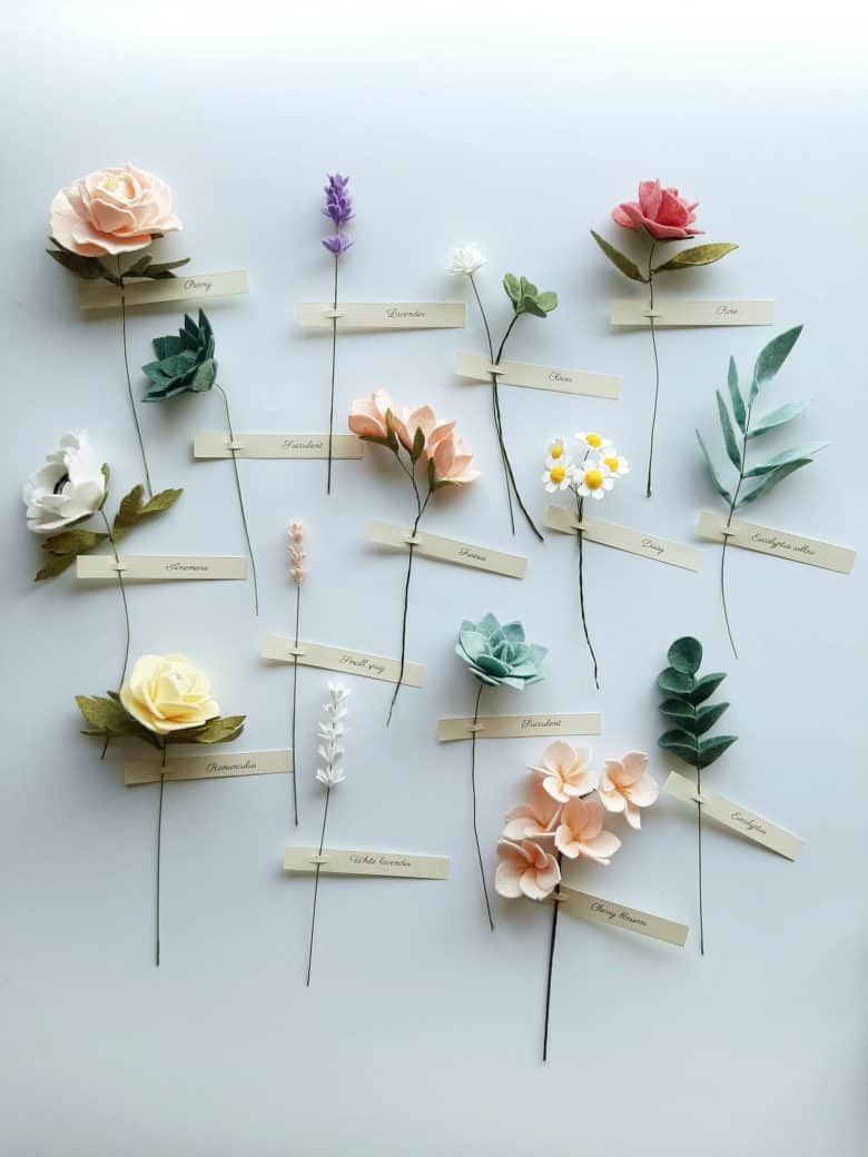handmade felt flowers by The Tsubaki for sale on Etsy - including roses, peonies, anemone, daisy, ranunculus, lavender, flower buds and more #felt #flowers #handmade #peony #rose #ranunculus #lavender