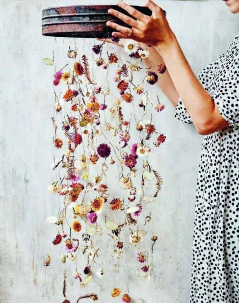 spring craft idea - dried flower hanging wreath using vintage riddle and seasonal flowers by bex of botanical tales #spring #craft #dried #flowers #tutorial #wreath