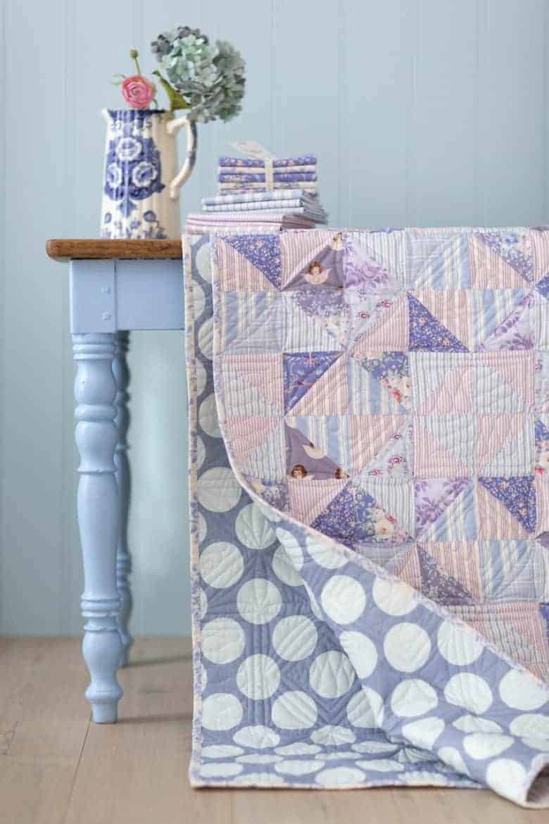 tilda old rose patchwork quilt pattern by tilda -get your free pdf pattern download with all the info you need to make your own beautiful quilt #patchwork #quilt #pattern #free