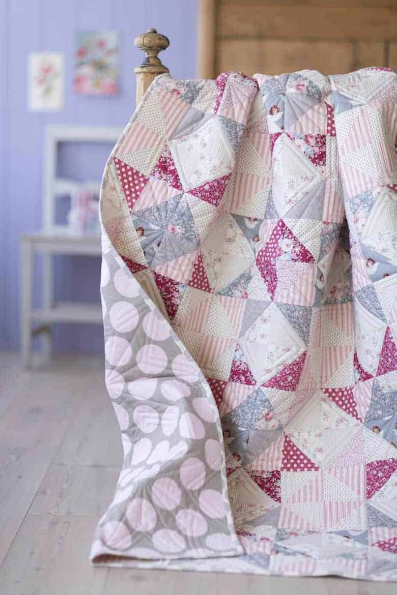 old rose patchwork quilt free pattern by tilda -get your free pdf pattern download with all the info you need to make your own beautiful quilt #patchwork #quilt #pattern #free