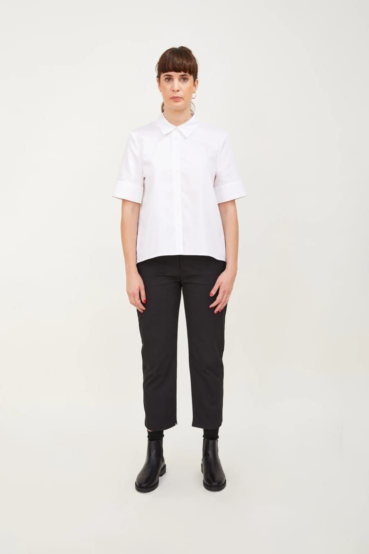 Love this white boxy pleated crisp white cotton shirt made in London and part of sustainable clothing collection by h.huna - a wardrobe of well considered key pieces that all work together perfectly to take you anywhere, in all seasons and that you'll wear for years #white #cotton #shirt #madeinbritain  #sustainable #clothing