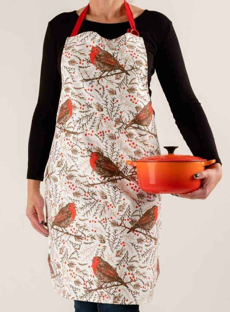 love this Christmas Robin cotton apron by cherith harrison made in the uk #apron #robin #christmas #madeinuk