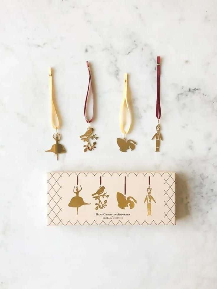 gold fairytale christmas tree decorations inspired by hans christian anderson #christmas #decorations #gold #fairytale #hanschristiananderson